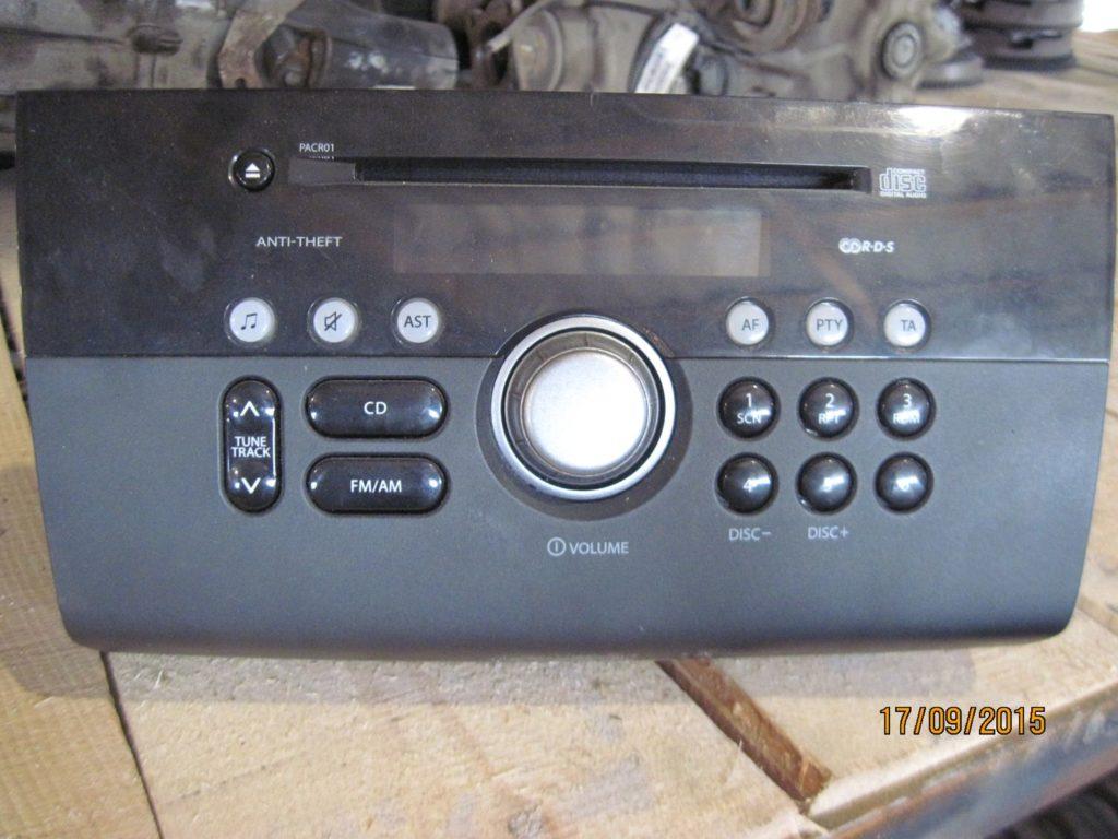 магнитофон штатный Swift 2005-2011