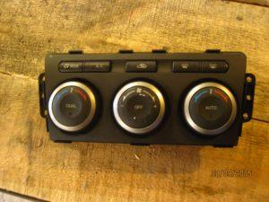 Блок управления кондиционером Mazda 6 2008-2012