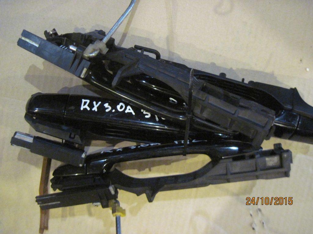 ручка двери внешняя передняя правая. Lexus RX 300 2003-2009