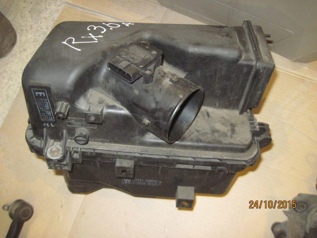 корпус воздушного фильтра Lexus RX 300 2003-2009