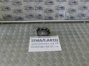 Противотуманная фара на Mitsubishi Outlander 1 2003-2006 г.в.