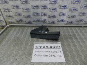Накладка порога задняя правая на Mitsubishi Outlander 1 2003-2006 г.в.