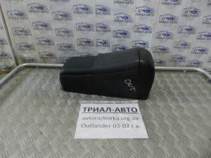 Подлокотник на Mitsubishi Outlander 1 2003-2006 г.в.