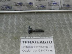 Катушка зажигания на Mitsubishi Outlander 1 2003-2006 г.в.