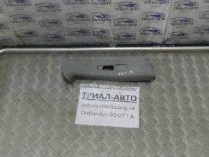 Накладка стойки верхняя правая на Mitsubishi Outlander 1 2003-2006 г.в.