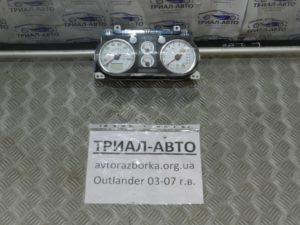 Приборная панель на Mitsubishi Outlander 1 2003-2006 г.в.