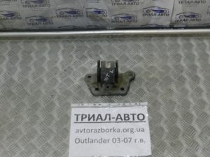 Подушка двигателя левая на Mitsubishi Outlander 1 2003-2006 г.в.