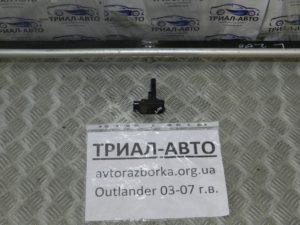 Датчик расхода воздуха на Mitsubishi Outlander 1 2003-2006 г.в.