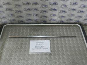 Молдинг стекла передний левый на BMW F10-F11