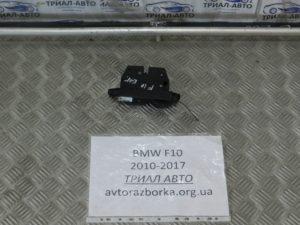 Замок крышки багажника на BMW F10-F11