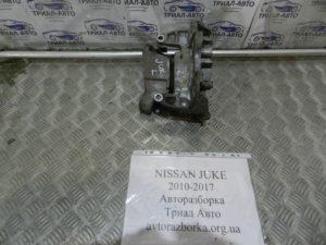 Подушка двигателя левая на Juke 2010-2017 г.в.