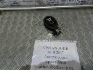 Подушка двигателя передняя на Juke 2010-2017 г.в.
