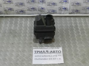 корпус воздушного фильтра Outlander 2003-2007