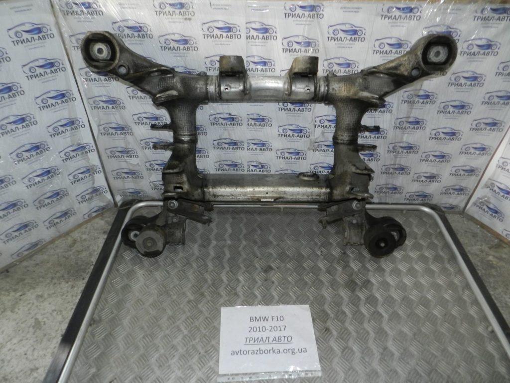 подрамник двигателя BMW F10