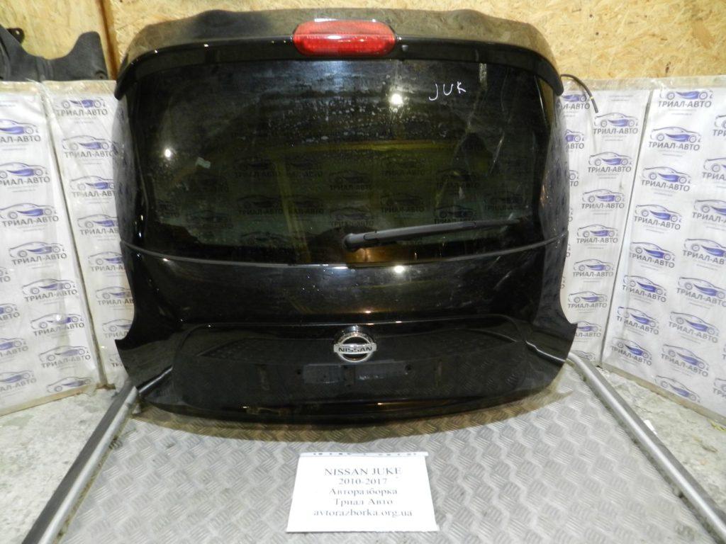 крышка багажника Juke 2010-2017