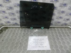 стекло боковое заднее левое Juke 2010-2017