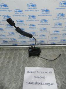 Замок двери передний правый на Megane 3 2008-2015