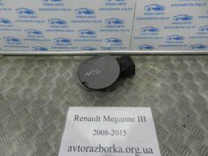 Лючок бензобака на Megane 3 2008-2015
