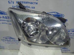 Фара правая галоген дорестайлинг 8113005191 на Avensis 2003 — 2009
