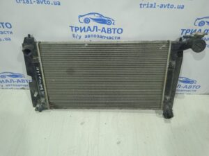 Радиатор охлаждения 1.8 164000D210 на Avensis 2003 — 2009