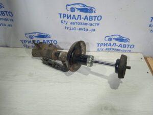 Амортизатор передний правый Astra J  на Astra J