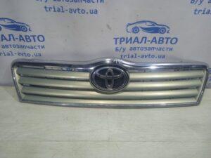 Решетка радиатора дорестайлинг 5311405060 на Avensis 2003 — 2009